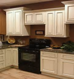 Diy Glazed Cabinets by Antique White Kitchen Cabinets With Granite Countertops