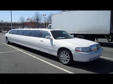Limozin Car For Rent by 2003 Lincoln Town Car Cartier Limousine Start Up Engine