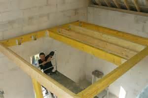 plancher bois pour la mezzanine au dessus de la cuisine