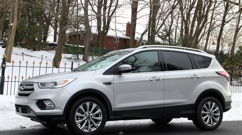 ford escape awd  liter gas mileage review