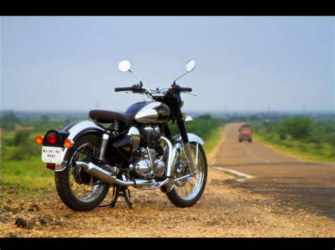 Royal Enfield Bullet 500 Efi Backgrounds by Royal Enfield Classic 500 Upgraded Classic Chrome