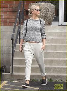 Julianne Hough Proves She's A Selena Gomez Fan in Singing ...