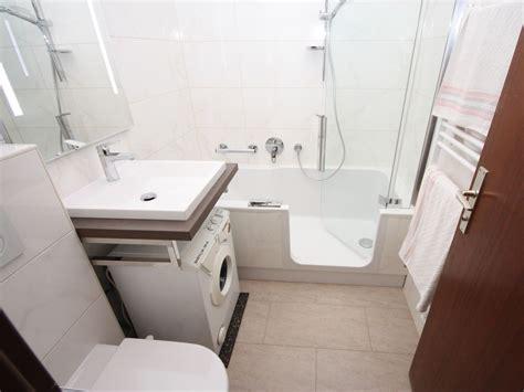 Kleines Badezimmer Mit Waschmaschine by Waschmaschine Waschbecken Kombination Wcdfac Org