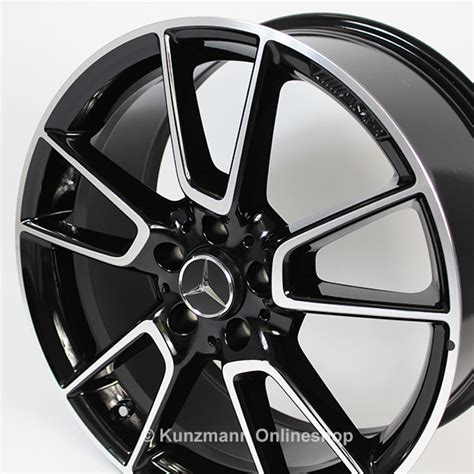 321 amg line exterior amg bodystyling, brakes with perforated front discs & mb logo. AMG 19-inch alloy-wheel-set | Mercedes-Benz C-Class W205 | 5-twin-spoke wheel | black