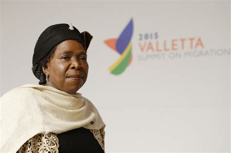 union africaine si鑒e l union africaine peine à faire aux défis du continent la croix