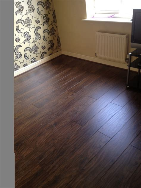 Floorz R Us Limited: 100% Feedback, Flooring Fitter