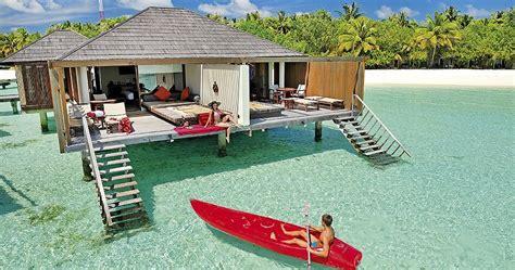 Paradise hotel's restaurant serves a variety of international and local dishes. Hotel Paradise Island Resort & Spa (Zima 2020/2021) • Maledivy • Maledivy • CK Blue Style