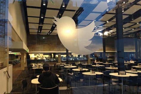 Twitter begins displaying diverse emoji - The Verge
