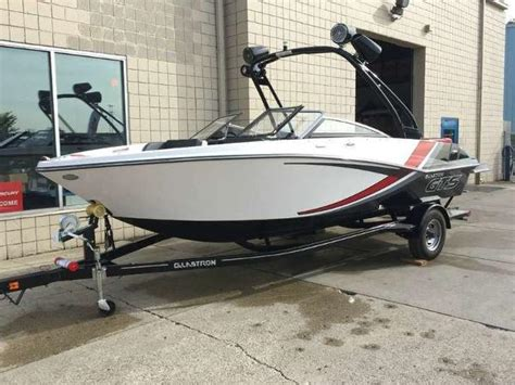 Ski Boats For Sale In Michigan by Used Ski And Wakeboard Boat Boats For Sale In Michigan