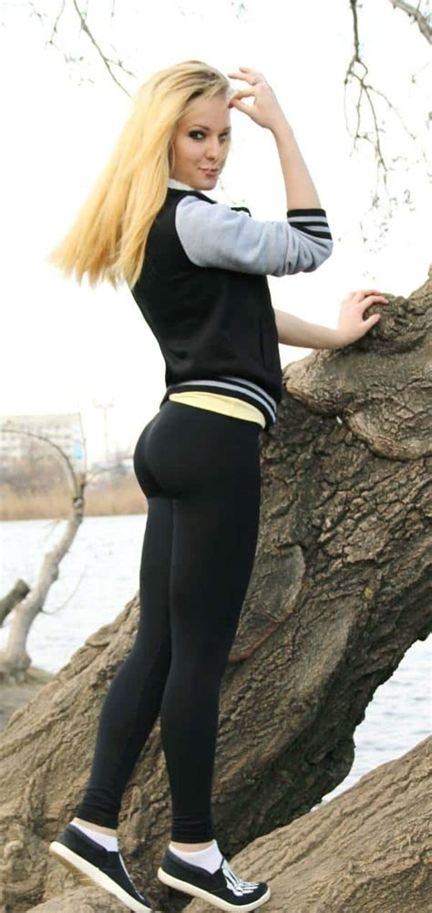 Sexy Blondes Masterbating In Yoga Pants Xxx Gallery