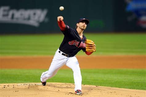 Josh Tomlin, Indians agree to $5.5 million, 2-year ...