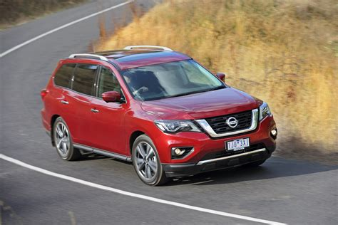 Nissan Car : 2017 Nissan Pathfinder Review