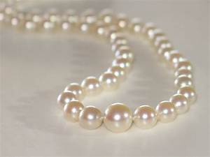 Vintage Graduated Pearls Necklace in 14k white gold clasp ...