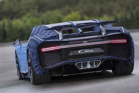 First of all, to clear up any sort of misunderstanding: A Full-Size LEGO Bugatti Chiron That Really Drives (16 pics)