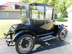 Detroit Electric dedicated to the early electric car and