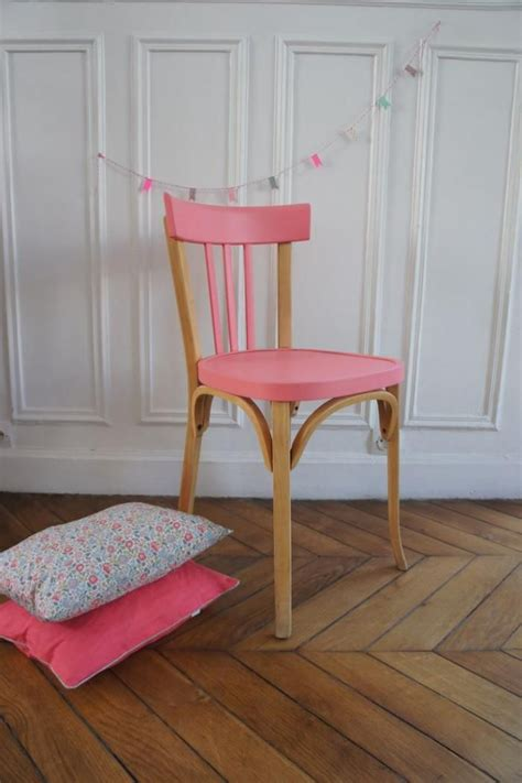 les chaises com les 25 meilleures idées concernant chaises peintes sur