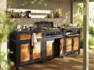 le barbecue peut se transformer en veritable cuisine d With amenager une entree exterieure de maison 3 terrasse en bois 3 conseils pour faire le bon choix