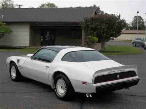 sell   pontiac trans  turbo nascar edition