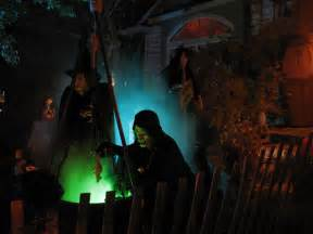 Halloween Yard Witches