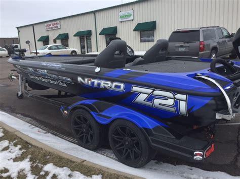 Boat Wraps Designs For Sale by Nitro Z21 Boat Wrap Ultimateboatwraps Nitroboatwraps