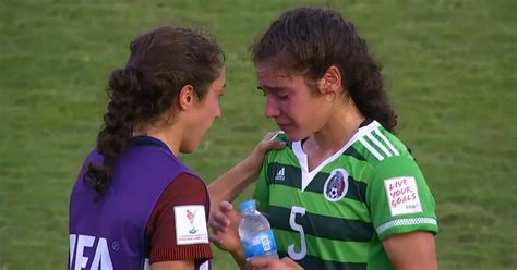 usa player consoles sobbing twin sister  beating
