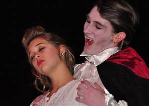 Dracula Bites Lucy Westenra