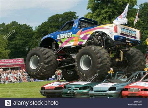 all bigfoot monster trucks bigfoot monster truck trucks suv ford pickup pick up car