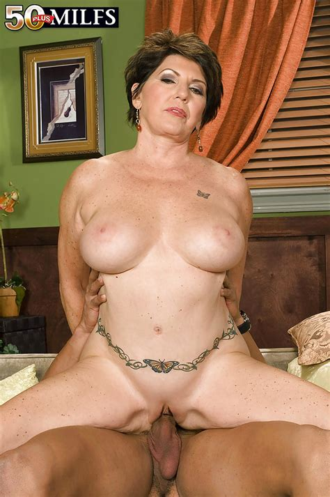Mature Bbw Seductress Bea Cummings Stripping Nude And