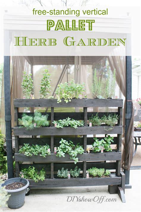 How To Make A Vertical Pallet Herb Garden by I That Junk Free Standing Pallet Herb Garden Diy