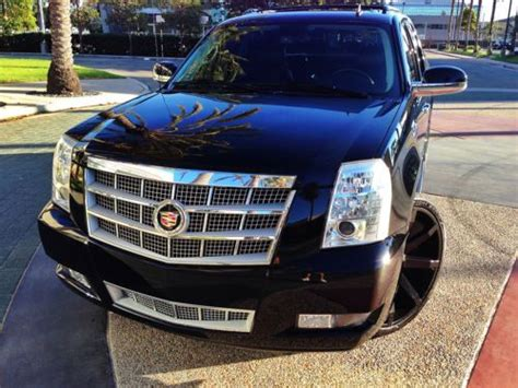 Sell Used Cadillac Escalade Ext Blacked Out With 26 Inch