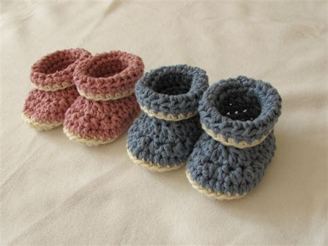 crochet baby booties very easy crochet cuffed baby booties tutorial roll top baby shoes for beginners youtube
