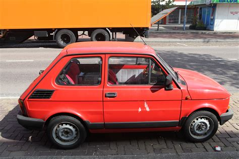 File:Fiat 126 Bis made by FSM (1).jpg - Wikimedia Commons