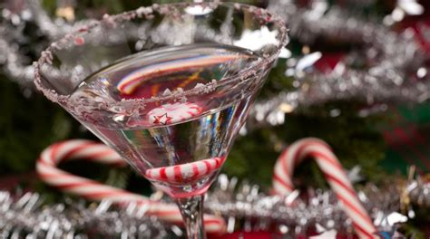 Christmas Cocktail & Candy Making With A Free Drink Funzing