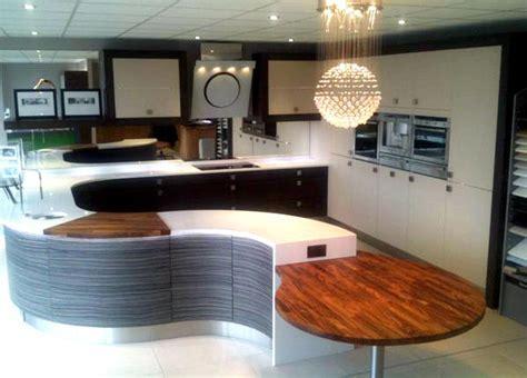 Ex Display PWS Metris Kitchen, Breakfast Bar and Silestone