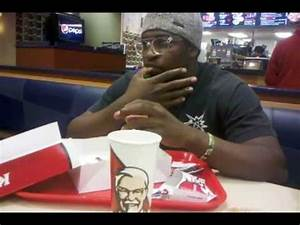 How Black People Eat Chicken - YouTube