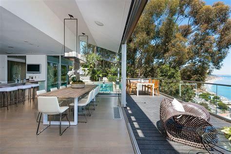 modern malibu beach house rooms   view