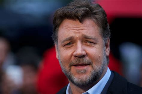 Russell Crowe to play Fox News founder Roger Ailes ...