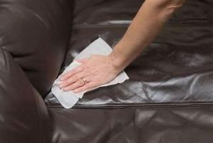 Nettoyer Un Canapé En Cuir : comment nettoyer un canap en cuir conseils et astuces ~ Melissatoandfro.com Idées de Décoration