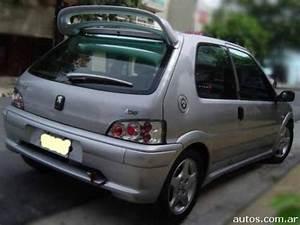 Nina Agdal  Peugeot 106 Quicksilver