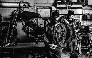 Garage Moto Paris : blitz motorcycles for gq on behance ~ Medecine-chirurgie-esthetiques.com Avis de Voitures