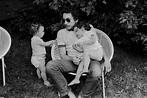 Bob Dylan and his children Sam and Anna by Elliott Landy ...