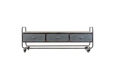 meuble tv à roulettes meuble tv industriel sur roulettes en m 233 tal et bois noir blanchi vi