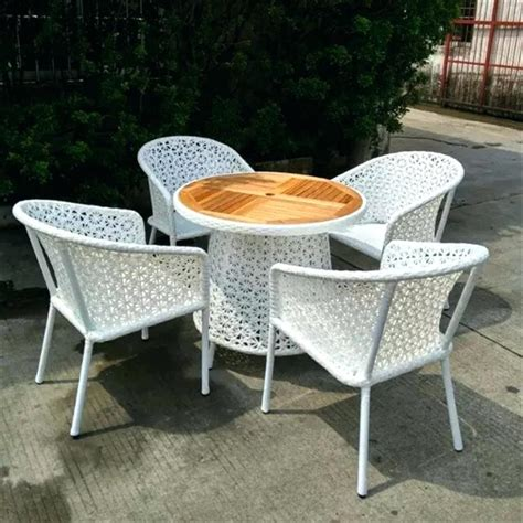 Inexpensive Lawn Furniture by Decorative Cheap Plastic Garden Chairs Outdoor Tables