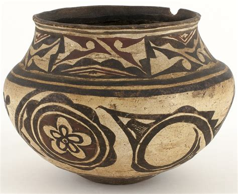 Black And White Clay Pot With Flower Design