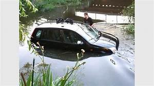 Was Ist Ein Vollbad : auto geht baden uups sonst ist dieser fluss ein rinnsal 1414 leser reporter ~ Indierocktalk.com Haus und Dekorationen