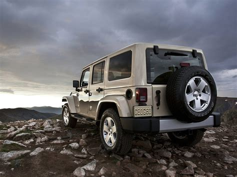 2011 Jeep Wrangler Car Desktop Wallpaper, Features