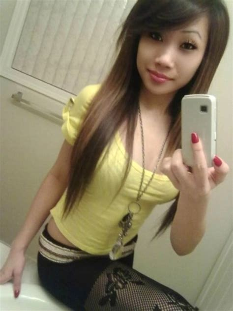 Cute And Sexy Asian Girls Pics