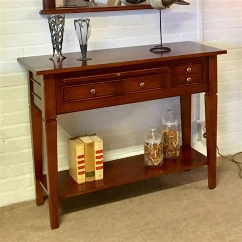 sidetable noten sidetables klassiek en lifestyle