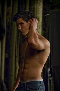 The best pic of Taylor/Jacob body... Poll Results ...