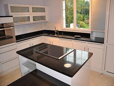 plan de cuisine granit cuisine noir plan de travail